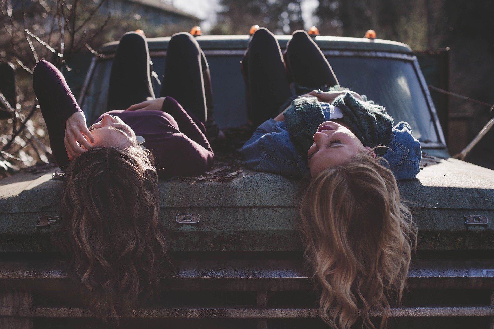 Hoe help je een vriend of vriendin met zelfvertrouwen?